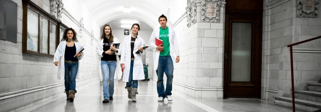 Top 5 Medical Schools in Canada (With Photos)